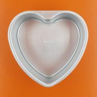 Kivehető aljú szív tortaforma 15cm