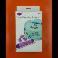 Betű + szám jelölő lila